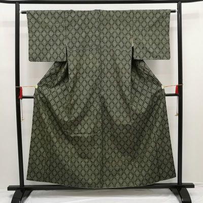 織柄紬 正絹 緑・うぐいす色地に幾何学柄・抽象柄